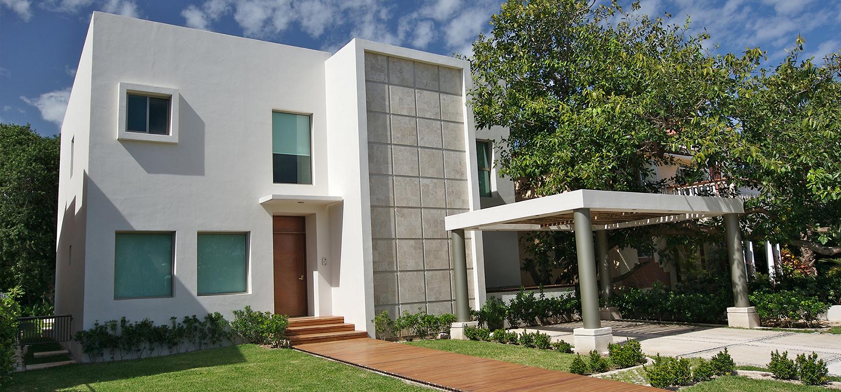 C mo resaltar la arquitectura exterior de tu casa revear for Exterior casas modernas